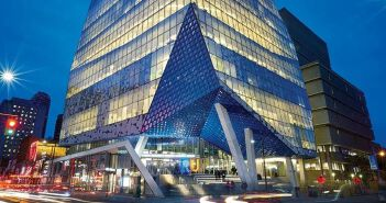 100 Queen St 现已开始热卖!多伦多市中心性价比最好的投资自住物业!